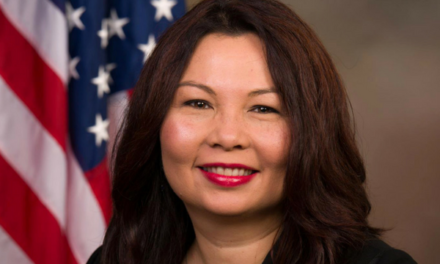 Duckworth pushes senators to oppose Kavanaugh