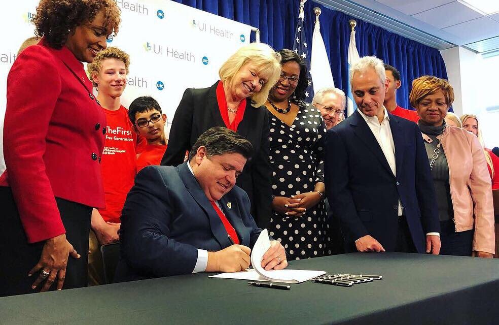 Pritzker signs bill to raise smoking age to 21