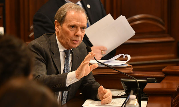 Cullerton plan to ban flavored e-cigarette products gets committee approval